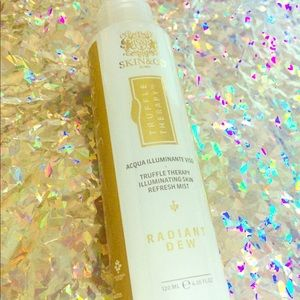 Skin&Co Truffle Therapy Illuminating Refresh Mist